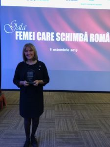 "Catalina Rousseau from Superbrands Romania awarded ""Women who change Romania"" by the prominent financial/business media group Finmedia Group in Romania"